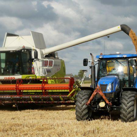 harvest-grain-combine-arable-farming-163752.jpg