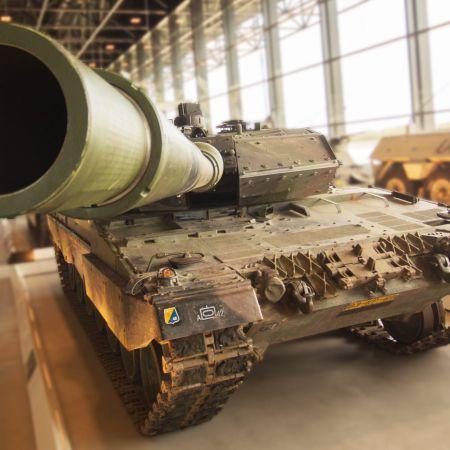 dusty-tank-1502489.jpg